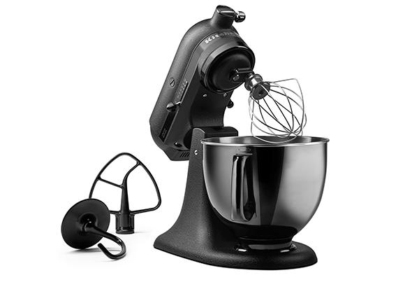 kitchen aid stellt limitierte artisan black tie. Black Bedroom Furniture Sets. Home Design Ideas
