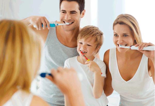 Oral-B Genius 10000: Gesunde Mundhygiene beginnt bereits beim Zahnfleisch