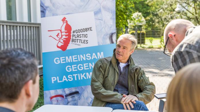 Schauspieler Hannes Jaenicke unterstützt die Aktion von Sodastream. Foto: Sodastream