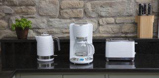 Wasserkoche, Kaffeemaschine und Toaster im Retro-Design. Foto: Russel Hobbes