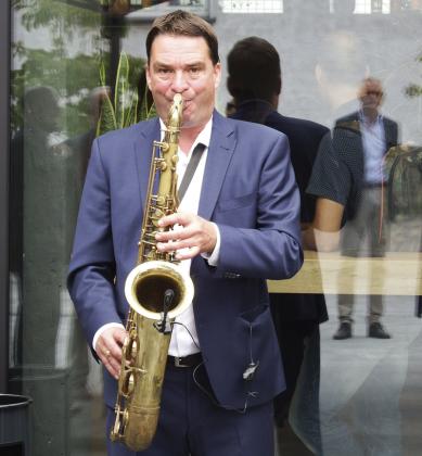 Saxophonspieler sorgte für unterhaltsame Musik