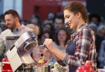 """Kochshow mit Saliha Öczan """"Sally's Welt"""", Cooktainment-Bühne, Foto: Living Kitchen"""