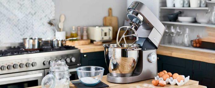 Kenwood Chef XL Küchenmaschine auf Kpchinsel. Foto: Kenwood