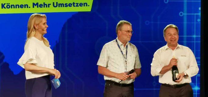 Der langjährige Jura-Geschäftsführer Rolf Diehl wurde auf großer Bühne in den Ruhestand verabschiedet