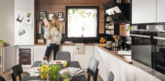 Wohnküche mit Einbauherd XType. Foto: Amica