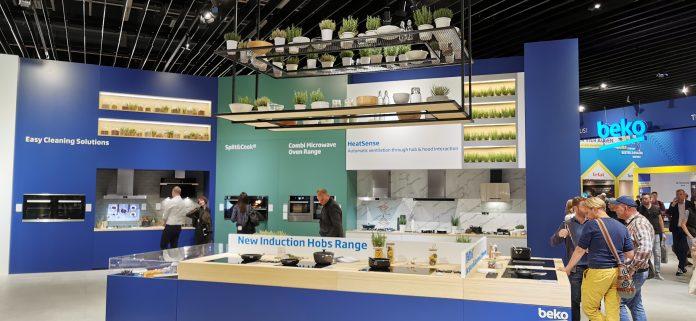 Die Marke Beko stellte in Halle 23 zusammen mit der Schwestermarke Grundig seine Innovationen rund um Küche und Haushalt in den Fokus. Foto: apc