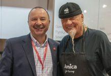 Zbigniew Platek, Geschäftsführer bei Amica International GmbH mit Sternekoch Rene Kalobius. Foto: Amica