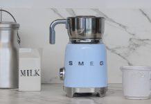 Milchaufschäumer im Retro-Styler der 50er Jahre. Foto: Smeg