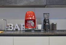 Smeg rote Filter-Kaffeemaschine. Foto: Smeg