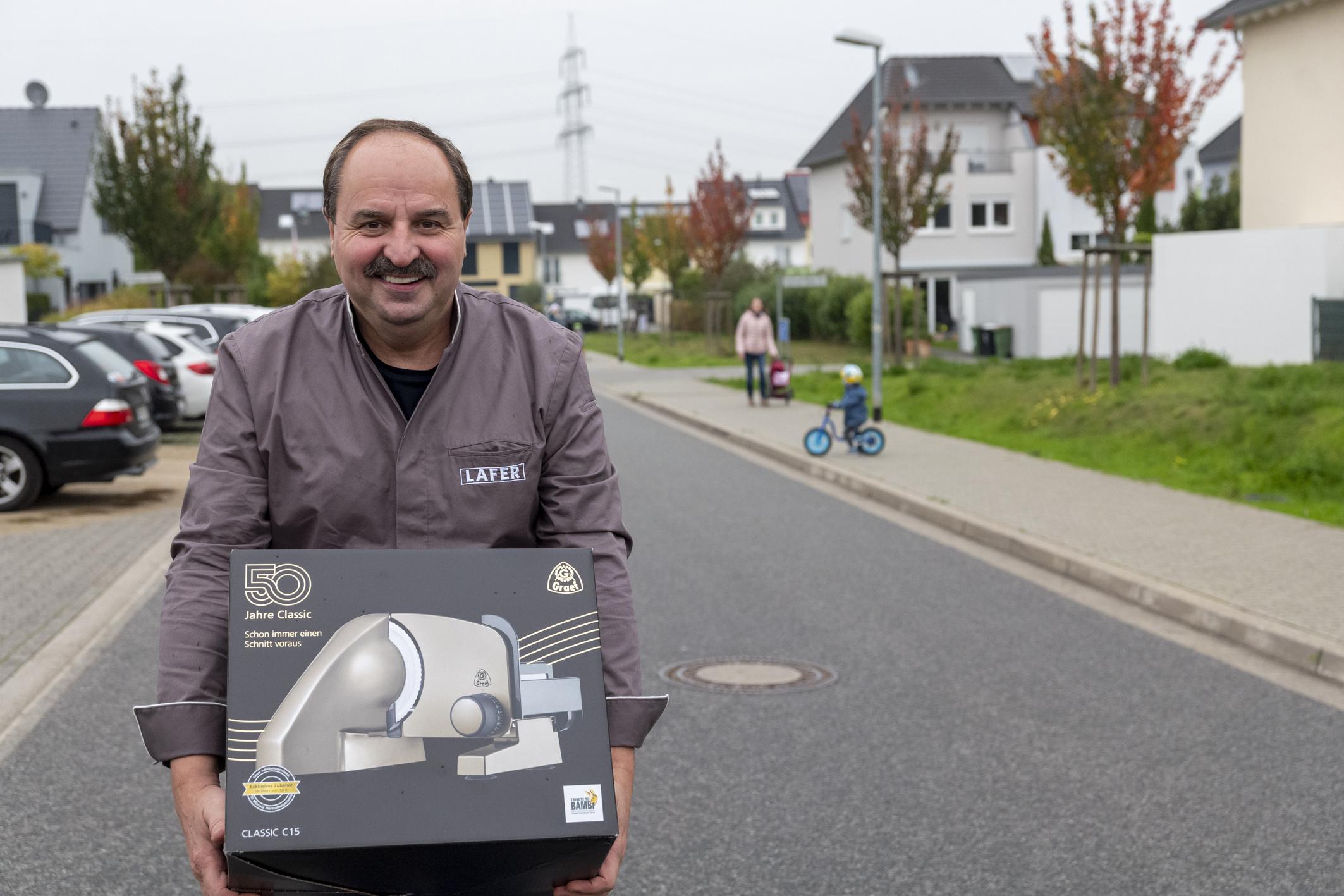 Lafer liefert den GRAEF Allesschneider nach Mainz-Marienborn. Foto: Graef